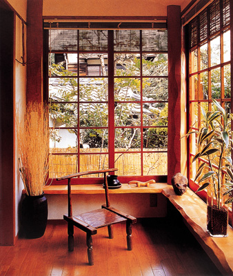 留心家具卖场橱窗布置或是阅读室内设计杂志