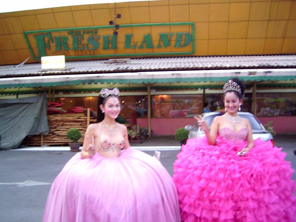 来啦 泰国人妖 1 走近泰国 高清图片