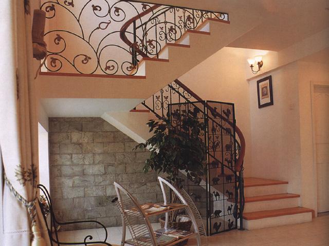 楼梯装修效果图—土拨鼠装饰 设计 门户   农村房屋 楼梯设
