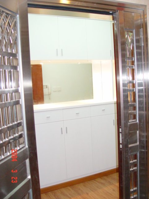 入门处超大鞋柜 出租四期2栋b型豪华装修亮景单位 图 高清图片