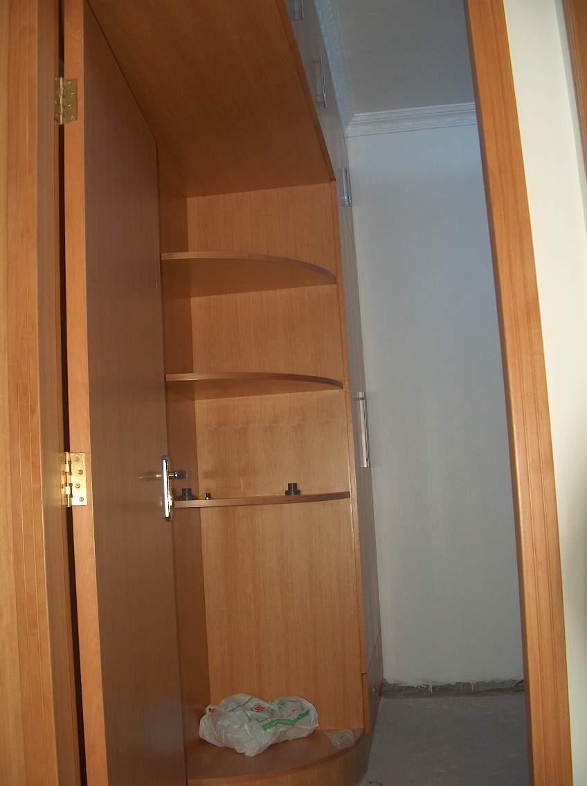 生态木装修衣柜效果图