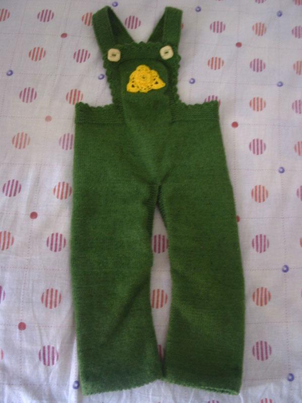 妈妈的好手艺——纯手工编织的小孩背带毛线裤(内空)