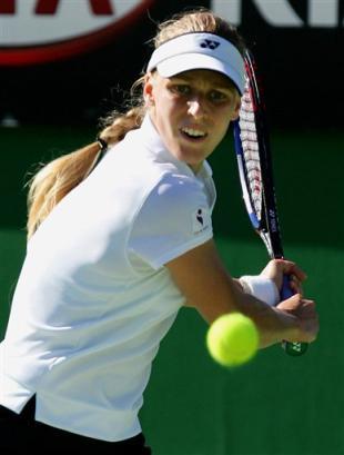 女子网球运动员_俄罗斯女子网球运动员戴门蒂耶娃在秀什么呢