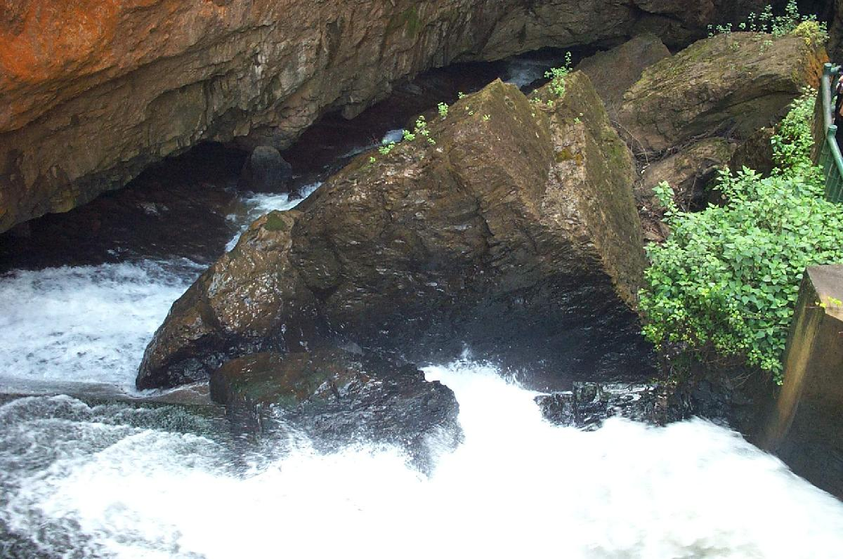 国家四星级风景名胜区-九乡风景区(大峡谷与地下溶洞)