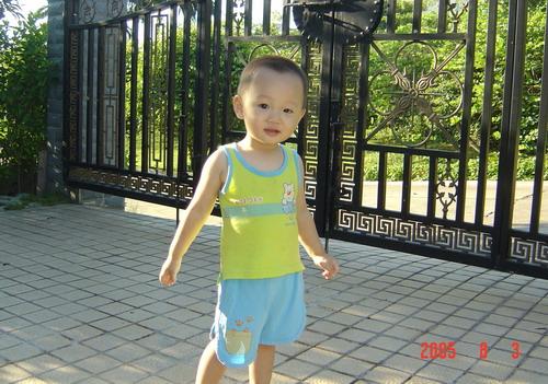 英俊可爱的小帅哥:)