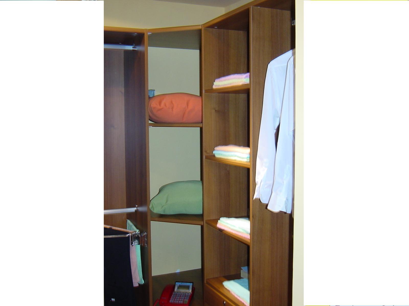 家装入墙式衣柜效果图,贴墙衣柜,电视衣柜一体墙效果图,衣柜和墙